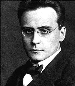 Anton Webern in Stettin, October 1912.jpg